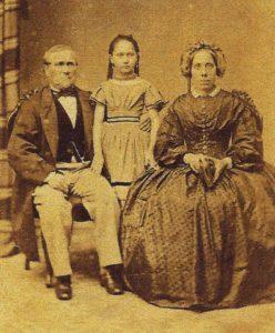 Johanne og hendes adoptivforældre