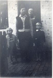 Bedste - Louis - Nina og Henning Johansen i 1952