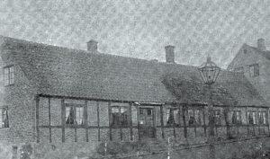 Den gamle præstegård i Hasle var ikke så meget værd som bygning. Den krævede meget arbejde fra datidens præster
